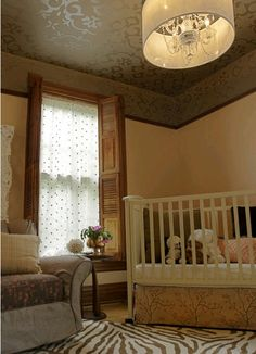 Love the ceiling in this room... glossy paint on matte using a stencil.  Pure genius!