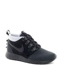 Nike Roshe Run Mid Trainers
