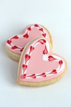 Valentine Cookies Sweet heart cookies for Valentine's day or any day! Video how to on sugar cookies decorated with royal icing. Cookies Cupcake, Heart Cookies, Iced Cookies, Cut Out Cookies, Royal Icing Cookies, Sugar Cookies, Cupcakes, Cookie Favors, Baby Cookies