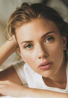 Scarlett Johansson demonstrates the perfect way to wear natural looking makeup.