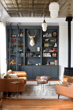 House Tour: The Poor Farm in Salida, Colorado – designed by the Dram Apothecary team. Small Living, Home And Living, Modern Living, Living Room Shelves, Farmhouse Furniture, Living Room Interior, Living Room Inspiration, Salida Colorado, Decoration