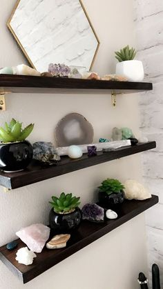 Gorgeous Home Decoration Ideas With DIY Floating Shelves Design silahsilah. - Gorgeous Home Decoration Ideas With DIY Floating Shelves Design - Shelves Decoration Inspiration, Room Inspiration, Decor Ideas, Decorating Ideas, Design Inspiration, Decorating Office, Furniture Inspiration, Office Decor, Art Ideas