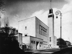 Hussite church, Jan Víšek, Brno, Czechoslovakia 1927 Bauhaus, Constructivism, International Style, Central Europe, Kirchen, Art Deco, Willis Tower, Modern Architecture, Functionalism