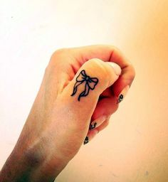 So Cute Finger Tattoos to Start Your Tattoo Wish
