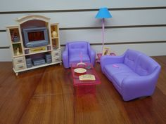 Gloria Real Life Living Room Playset - I bought this set on E-Bay. I'm planning to re-paint it.