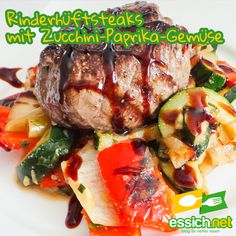 Rinderhüftsteak mit Zucchini-Paprika Gemüse Steaks, Zucchini, Pork, Beef, Html, Red Bell Peppers, Crickets, Food And Drinks, Food Food