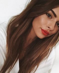 fat red lip with long brown hair # beauty - # .- rote Lippe mit langen braunen Haaren – fat red lip with long brown hair – Beauty Make-up, Natural Beauty Tips, Hair Beauty, Beauty Care, Beauty Hacks, Beauty Ideas, Beauty Skin, Beauty Guide, Beauty Full