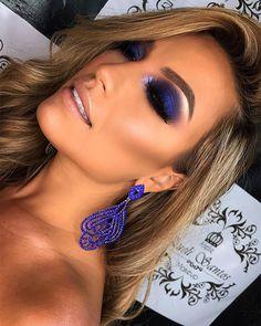"""History of eye makeup """"Eye care"""", put simply, """"eye make-up"""" has always been an area Makeup Goals, Makeup Inspo, Makeup Inspiration, Beauty Makeup, Hooded Eye Makeup, Blue Eye Makeup, Smokey Eye Makeup, Blue Makeup Looks, Blue Smokey Eye"""