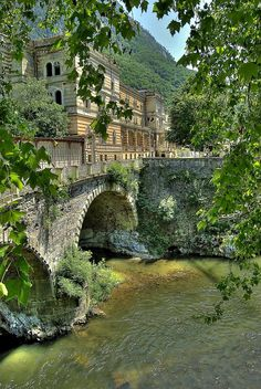 Tapiture: River Bridge Baile Herculane, Romania by Places Around The World, The Places Youll Go, Travel Around The World, Places To See, Around The Worlds, Wonderful Places, Beautiful Places, Amazing Places, Bósnia E Herzegovina