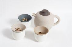 Terra is a ceramic teaset designed by Michela Voglino and handmade by Studio Ceramico Giusti for the project Quattromani - Design meets Artisans.
