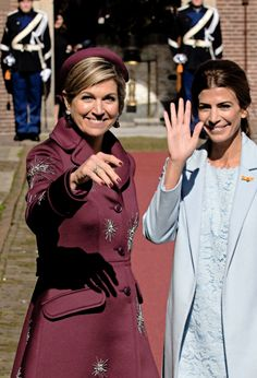 """koninklijkhuis:  """""""" State Visit of the President of Argentina (Day 2): Queen Máxima accompanied First Lady Juliana Awada in a visit to the Mauritshuis Museum in The Hague.  """" """""""
