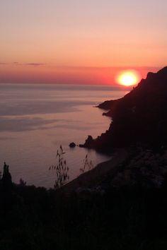 Sunset in Glyfada, Corfu. Book your Corfu holidays at corfu2travel.com !