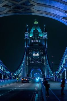 The Tower Bridge of London at midnight ///