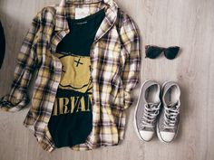 Grunge - Keep it simple. Nirvana smiley shirt