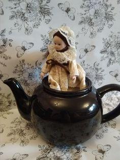 Porcelain doll Wupper WEV german doll pure silk lace goth gothic elegant sweet cute stylish