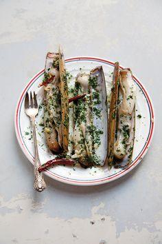 Navajas , tapa española, a la plancha, buenísimas  /razor clams, a Spanish tapas