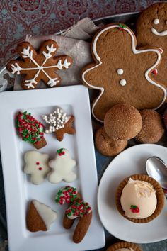 super ideas for holiday treats christmas sweets Christmas Sweets, Christmas Gingerbread, Noel Christmas, Christmas Baking, Gingerbread Cookies, Christmas Cookies, White Christmas, Christmas Ideas, Christmas Biscuits