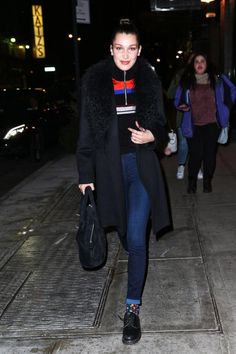 42ba0b89c51540 Bella Hadid - Out and about on