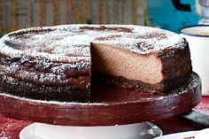 If you are a cheesecake fan, then you& love Katie Quinn Davies& baked version that& laced with mocha and hazelnut. Chocolate Cheese, Chocolate Hazelnut, Chocolate Recipes, Hazelnut Cheesecake Recipe, Cheesecake Recipes, Mocha Cheesecake, Ultimate Cheesecake, Cacao, Something Sweet