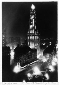 Old New York: April 23, 1913, New York City: The Woolworth Building opens
