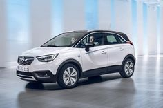 The 2017 Vauxhall Crossland X has been revealed as a replacement for the Meriva MPV but with distinct SUV design touches. On sale summer Audi Q4, Peugeot 2008, My Dream Car, Dream Cars, General Motors, Auto Gif, Citroen C3, Monospace, Autos