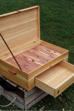 Easy Wood Projects Design No. 13370 Beautiful Small Woodworking Projects You Can Create Yourself Small Easy Wood Projects Small Woodworking Projects, Easy Woodworking Ideas, Small Wood Projects, Learn Woodworking, Popular Woodworking, Woodworking Plans, Woodworking Furniture, Woodworking Organization, Furniture Plans