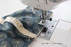 更に、マスク Cool Backpacks, Diy Mask, Sewing Projects, Face Masks, Blog, Mascaras, Facial Masks, Blogging, Stitching