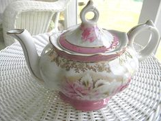 Vintage Victorian Porcelain Musical Teapot   Vintage Tea Shop   Vintage Tea Party