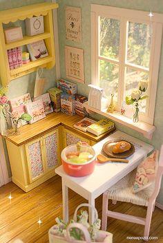 Aqua and colors cottage Aqua and colors cottage Miniature Rooms, Miniature Kitchen, Miniature Crafts, Miniature Houses, Miniature Furniture, Dollhouse Furniture, Colorful Kitchen Decor, Kitchen Colors, Barbie Diorama