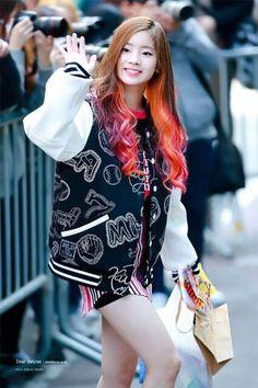 dedicated to female kpop idols. Nayeon, Kpop Girl Groups, Korean Girl Groups, Kpop Girls, Kpop Fashion, Korean Fashion, Tzuyu And Sana, Mbti Type, 17 Kpop
