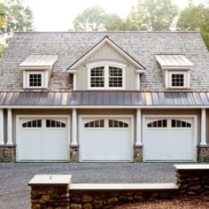 Grab popular Marvelous Carriage House Garages Detached Garage Guest House design ideas from Phyllis Alexandra to makeover your home. Garage Guest House, Carriage House Garage, Garage Loft, Garage Studio, Garage Shed, Barn Garage, Detached Garage, Garage Doors, Barn Doors