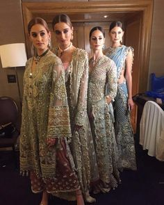 Élan beautiful showcase last night for UBS left the audience in awe! Head on over to their trunk show now at Trafalgar Suite, Corinthia… Desi Wedding Dresses, Pakistani Formal Dresses, Pakistani Party Wear, Pakistani Wedding Outfits, Pakistani Couture, Nikkah Dress, Pakistani Dress Design, Party Wear Dresses, Indian Dresses