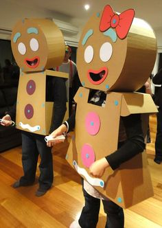 The Gingerbread Man and Woman 24 Awesome Kids' Book-Inspired Halloween Costumes For Grownups Cool Halloween Costumes, Diy Halloween Costumes, Halloween Crafts, Halloween Party, Halloween Decorations, Costume Ideas, Robot Costumes, Diy Christmas Costumes, Candy Land Costumes