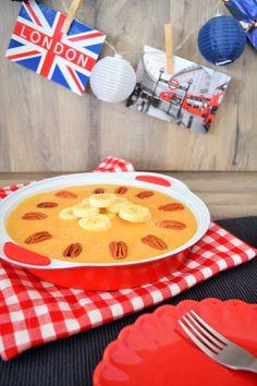 Banoffee Cheesecake REZEPT FÜR EINE 26CM PIEFORM  200g Hafekekse 100g Butter 1 Prise Meersalz 1 Dose Milchmädchen 300g Frischkäse 3 Bananen 3 Blätter Gelatine 2 EL brauner Zucker 200 ml Milch 2 Hand voll Pekannüsse