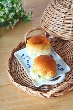모닝빵샌드위치 감자샐러드 듬뿍 : 네이버 블로그 Hamburger, Bread, Foods, Food Food, Food Items, Brot, Baking, Burgers, Breads