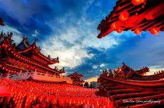 Znalezione obrazy dla zapytania Sunset at Thean Hou Temple in Kuala Lumpur