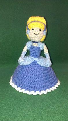 Amigurumi crochet Cinderella doll ... Pattern from www.rabbizdesigns.com