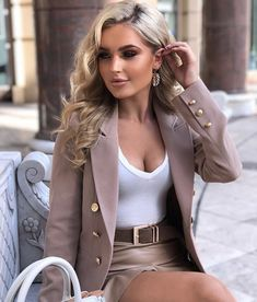 Cute Casual Outfits, Chic Outfits, Fashion Outfits, Classy Women, Sexy Women, Fashion Mode, Womens Fashion, Elegantes Outfit Frau, Sophisticated Outfits