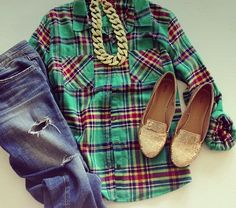 flannel shirt, jeans and a chunky gold chain necklace (minus sparkling gold shoes for me)