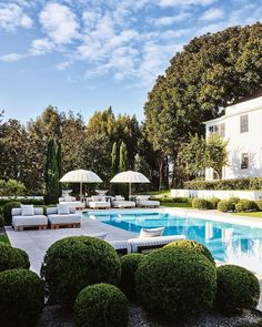 Tour the Beverly Hills home of Vogue's Living's March/April guest editor Kelly Wearstler. pool ideas australia House tour: inside Kelly Wearstler's lavish Beverly Hills home Swimming Pools Backyard, Swimming Pool Designs, Pool Landscaping, Florida Landscaping, Lap Pools, Indoor Pools, Luxury Landscaping, Kelly Wearstler, Backyard Patio