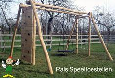 Nieuw in het assortiment van Pals Speeltoestellen, de Robinia Apenbrug-schommel