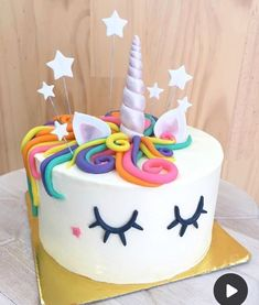 Order Unicorn Party Cake from Wish A Cupcake for someone's birthday or anniversary. Send Unicorn Party Cake as a gift anywhere in India as same day or midnight delivery. Unicorn Cake Design, Diy Unicorn Cake, Unicorn Cupcakes, Unicorn Rainbow Cake, Unicorn Cale, Unicorn Emoji, How To Make A Unicorn Cake, Diy Unicorn Party, Rainbow Cupcakes
