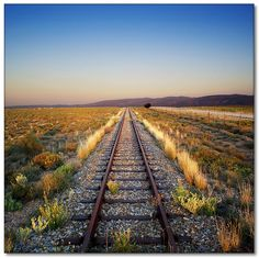 Karoo- love a rail trip through this magic part of beautiful South Africa Wow Photo, Out Of Africa, Train Tracks, Countries Of The World, Continents, Railroad Tracks, South Africa, Beautiful Places, Scenery