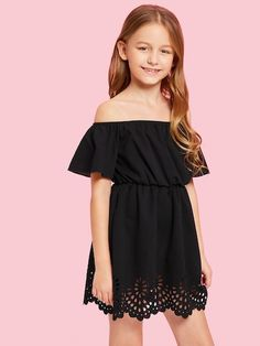 To find out about the Girls Laser Cut Hem Solid Dress at SHEIN, part of our latest Girls Dresses ready to shop online today! Cute Girl Outfits, Kids Outfits Girls, Girls Dresses, Short Dresses, Girls Fashion Clothes, Girl Fashion, Fashion Outfits, Dress Fashion, Spring Fashion