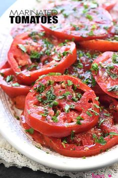 The BEST Marinated Tomatoes ~ ripe, juicy tomatoes soak up olive oil, red win. Marinated Tomato Salad Recipe, Marinated Tomatoes, Marinated Vegetables, Roasted Tomatoes, Side Dish Recipes, Vegetable Recipes, Fresh Tomato Recipes, Cooking Recipes, Healthy Recipes