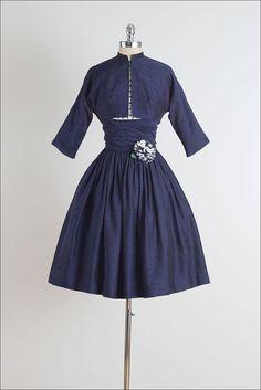 Puntos de Gibson. vestido vintage de los años cincuenta.