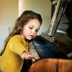 Piano Lessons For Kids, Kids Piano, Gift Card Specials, Good Communication Skills, How To Play Drums, Playing Piano, Easy Piano, Elementary Music, Listening To Music