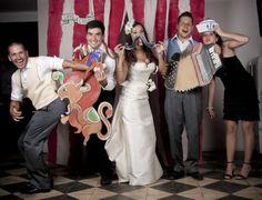 fandi.es Fotografía fotógrafos de bodas originales circo pinup pin-up adolfo lopez tania acuña ilsutracion caja fandi de fotos de boda