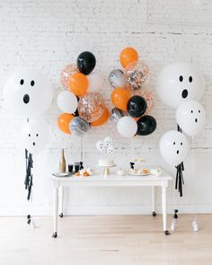 "Paris312 on Instagram: ""A Halloween sweets table calls for all treats, not tricks especially when paired with our adorable ghost balloon creations 👻 . . . . .…"""