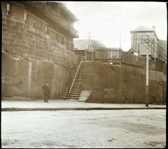 Steps from Kent St,Sydney to Clarence Lane in the early 1900s. •State Library of Victoria•